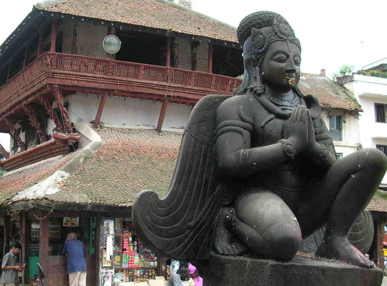 Nepal, Kathmandu, Durbar Square statue
